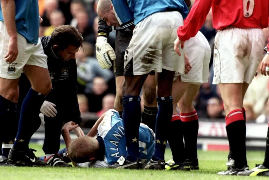Manchester derby 2001