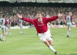 """""""And Solskjaer has won it!"""" Manchester United do the treble in 1999"""