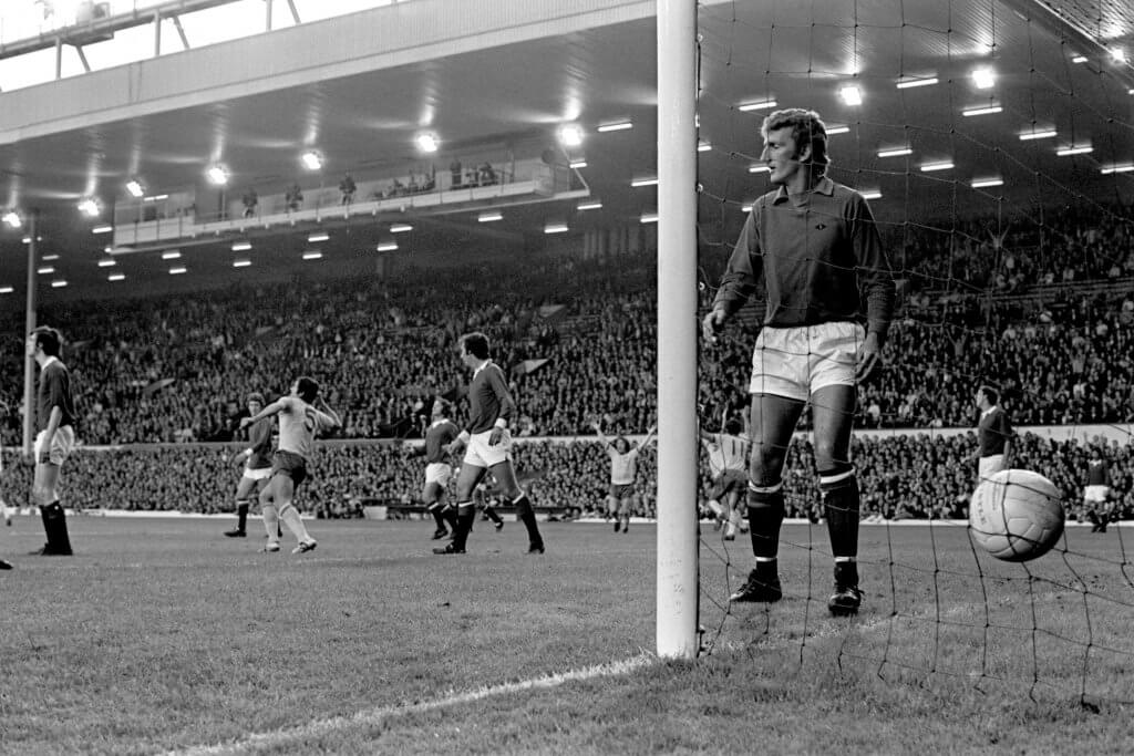Manchester United Anfield 1971