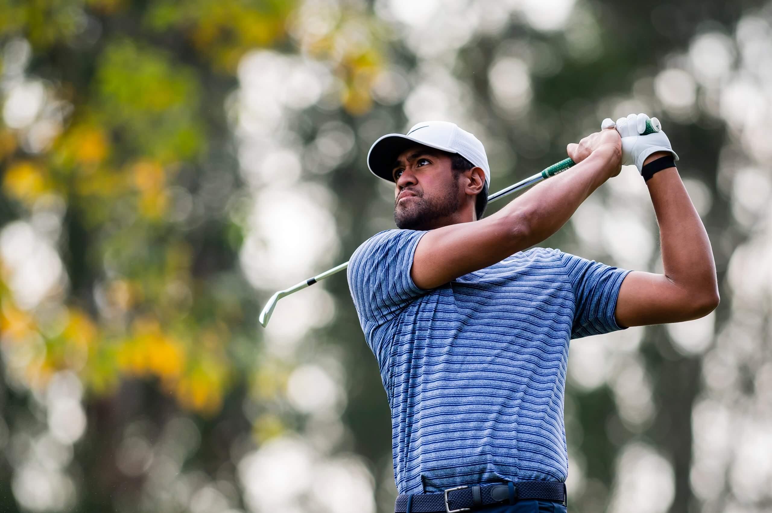 Tony,Finau golf
